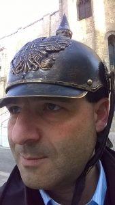 Sono un ex allievo del prof che fa gli auguri a Hitler. Chi è davvero Felice Spicocchi?