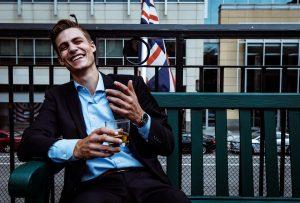 7 cose da sapere su come bere whiskey (e soprattutto su come non berlo)