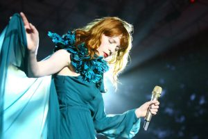 Hunger testo: Florence and the Machine sciolgono i nodi dell'animo umano