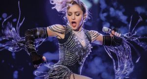 I Rise testo di Madonna: sono morta mille volte ma sono sopravvissuta