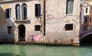 Il graffito di Banksy a Venezia: una spiegazione plausibile